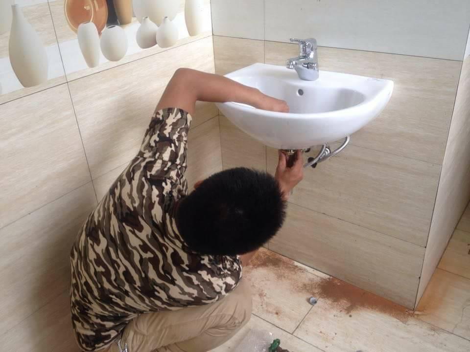 lắp nước nóng cho chậu rửa