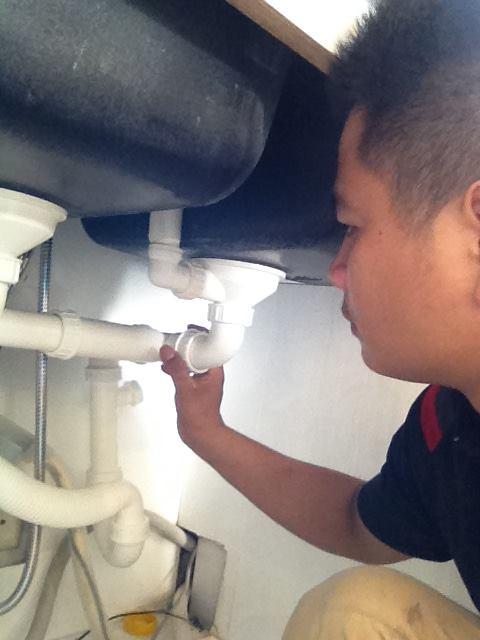 xử lý rò rỉ chậu rửa bát tại hà nội